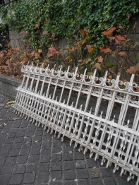 Iron Fence Set (947-16)