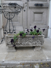 Antique Planter (F-2)