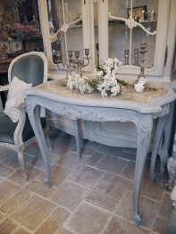 French Table (264-08)