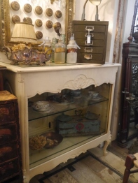 Glass Cabinet (K-055)
