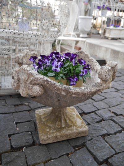 Antique Planter (341-19)