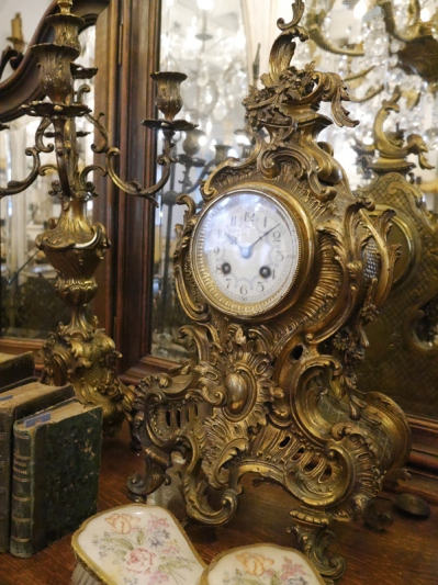 Antique Clock (25901-18)