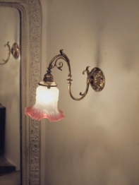 Lily Wall Light (EUK243)