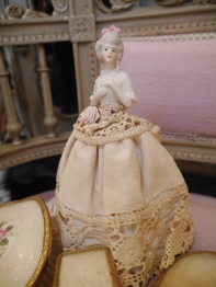 Antique Doll (H3502-23)