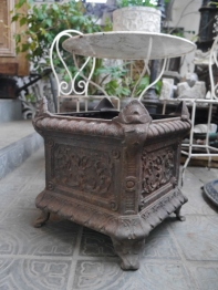 Antique Planter (364-19)