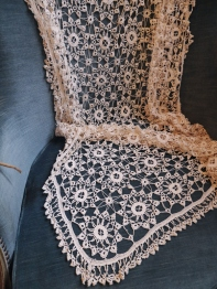 Antique Lace Cloth (D8701-19)
