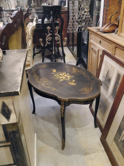 French Table (335-13)