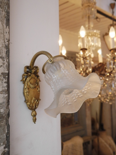 Lily Wall Light (EBF173)