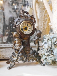 Antique Clock (GW006)