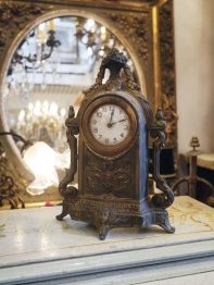 Antique Clock (G8401-22)