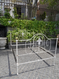 Iron Bed (128-22)