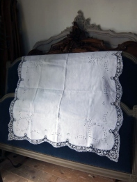 Lace Cloth (B-6)