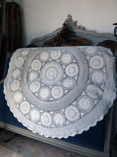 Lace Cloth (B-7)