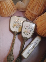Brush & Mirror Set (TA425)
