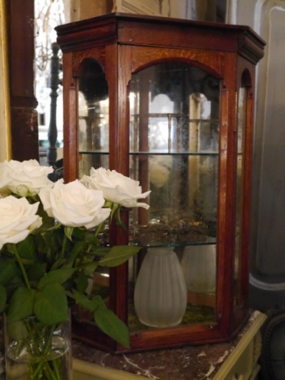 Display Cabinet (C-1)