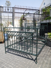 Iron Bed (129-22)