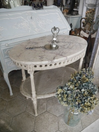 French Table (TA357)