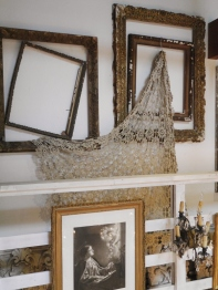 Antique Lace Cloth (W64-16)