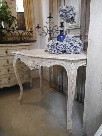 French Table (270-13)