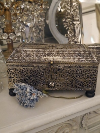 Antique Box (EBF258)