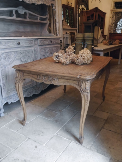 French Table (423-14)