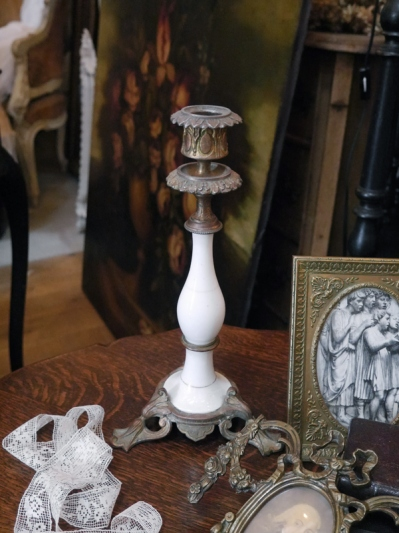 Candle Stand (E19-20)