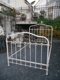 Iron Bed (015-21)