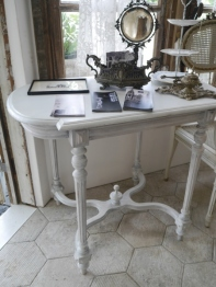 French Table (003-12)
