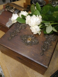 Antique Box (B31-17)