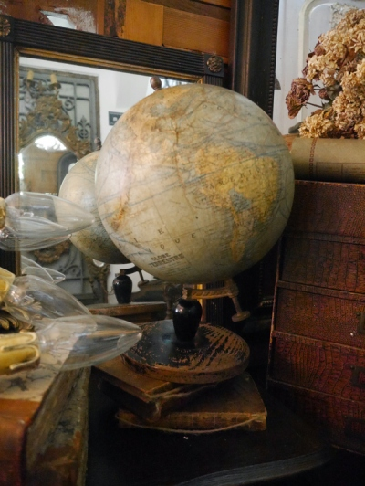 Antique Globe (869-16)