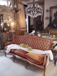 French Sofa (EUK055)