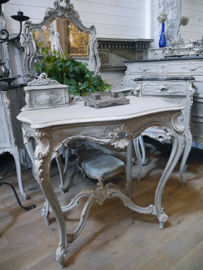 French Table (348-19)