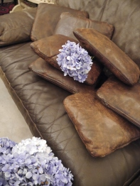 Leather Cushion (04602-07)