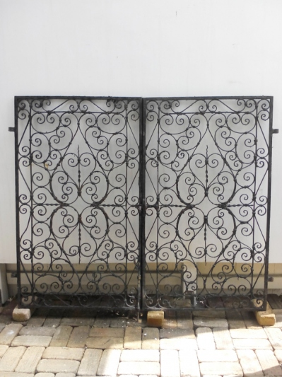 Pair of Iron Gate (B-1)
