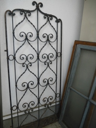 Pair of Iron Gate (399-19)