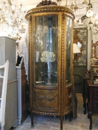 Glass Cabinet (385-19)