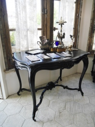French Table (234-13)