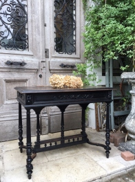 French Table (256-13)