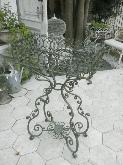 Planter Stand (303-13)