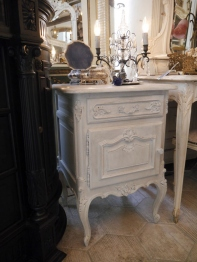 Bed Side Table (834-16)