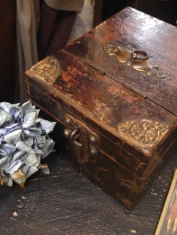 Antique Box (W39-16)