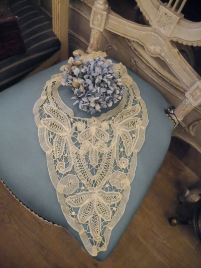 Antique Lace (G3423-22)
