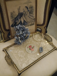 Lace Tray (EUK198-2)