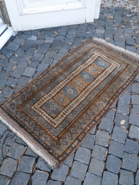 Antique Rug (A56-15)