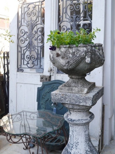 Antique Planter (F-1)