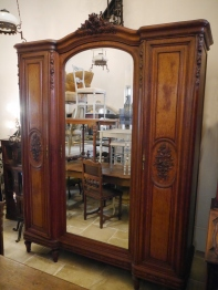 Armoire Cabinet (G-1)