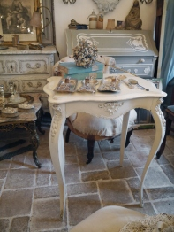 French Table (412-14)