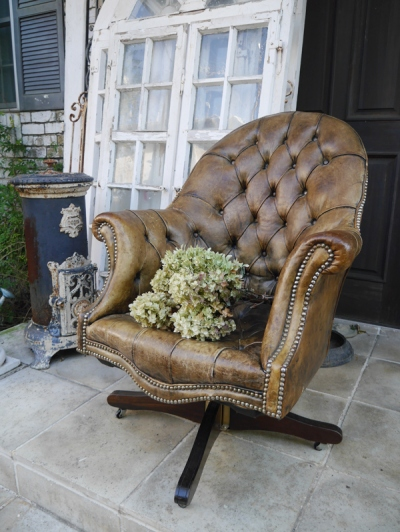 Leather Arm Chair (055-17)