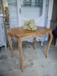 French Table (701-15)