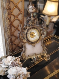 Antique Clock (C42-18)